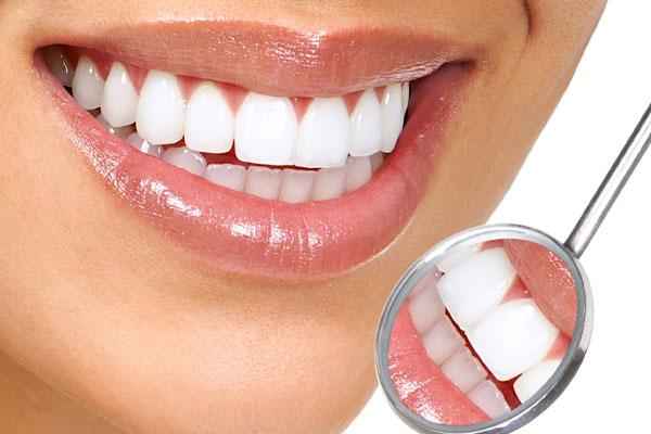Cách khắc phục tình trạng bọc răng sứ bị viêm lợi hiệu quả