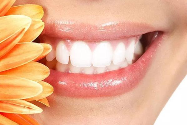 Phương pháp chữa cười hở lợi không phẫu thuật giá bao nhiêu?
