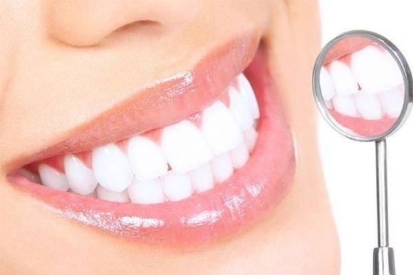 Làm răng sứ có hại không? Những vấn đề quan trọng khi làm răng sứ cần lưu ý