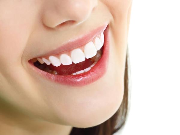 Lợi ích khi làm răng sứ