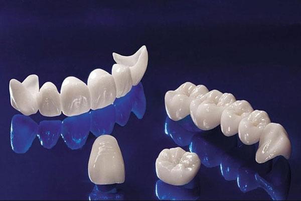 Răng sứ Zirconia là gì? Bọc răng sứ Zirconia có tốt không?