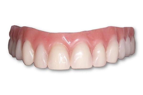 Răng tháo lắp bằng sứ