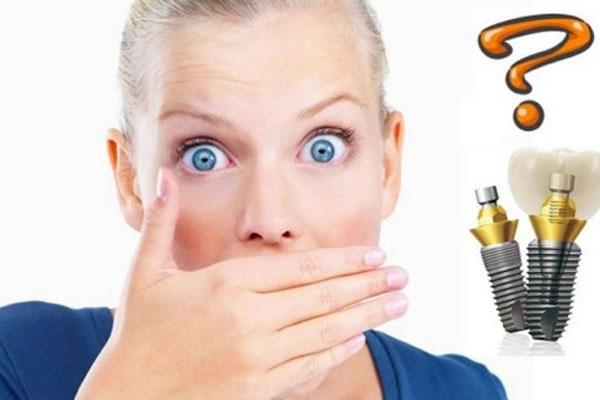 Giải đáp trồng răng Implant có bị hôi miệng không?